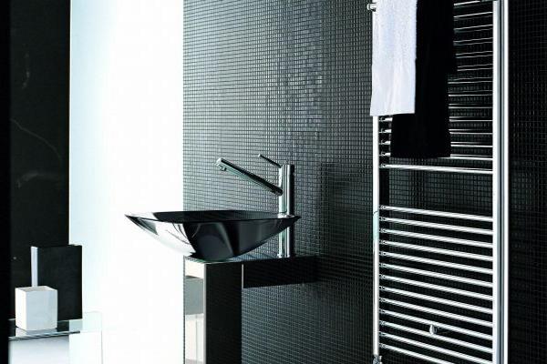 Moderni grijači ručnika u kupaonici