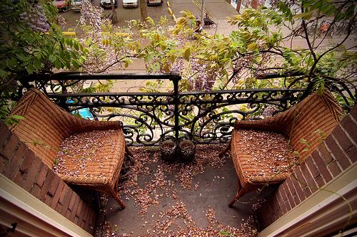 Raj na balkonu ili u dvorištu s malo novaca
