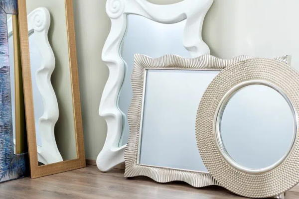 Moderna ukrasna ogledala za dom