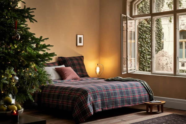 Božićne dekoracije za spavaću sobu Zara Home