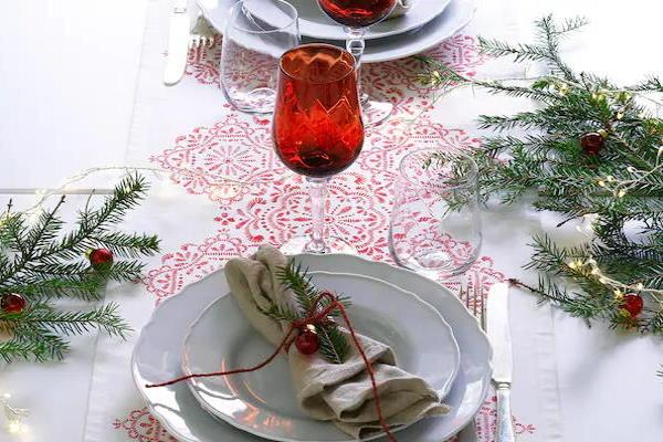 Odlične božićne dekoracije za blagdanski stol – IKEA