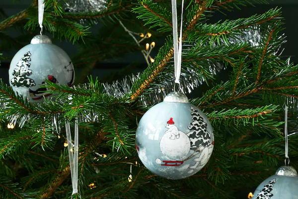 Prekrasne moderne kuglice za božićno drvce IKEA