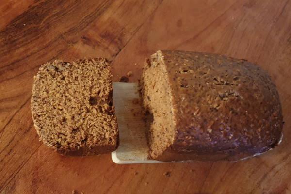 GORENJE pekač kruha BM 1200 B